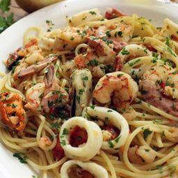Espaguete ao frutos do mar p/ 2 pessoas