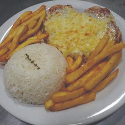 Filé Mignon à Parmegiana + arroz e fritas