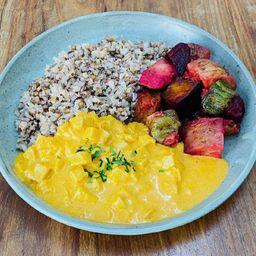 Estrogonofe de pupunha com arroz 7 grãos e legumes