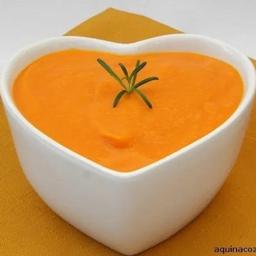 Sopa de Abóbora com Cenoura e Gengibre e Frango
