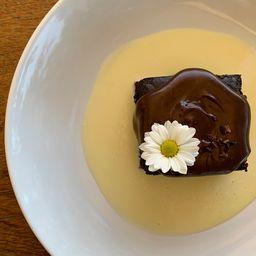 Bolo molhado de chocolate