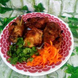 Porção de frango à passarinha