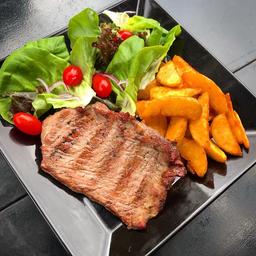 Steak com Batata Rústica e Salada