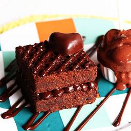 Duo brownie com brigadeiro tradicional