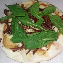 Pizza de Carne com Rúcula