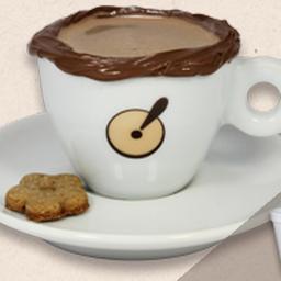 Chocolate quente com borda de chocolate