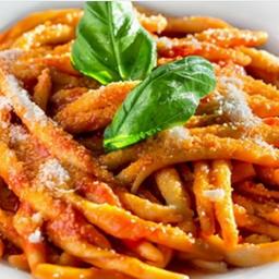 Fuislli a calabresi+ sobremesa grátis !!