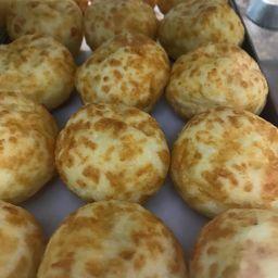 Mini pão de queijo recheado com requeijão 100g