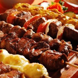 Churrasco Árabe no Espeto