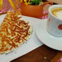 Tapioca crocante +cafe com leite grande
