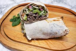 Sanduíche de shawarma no pão folha (sajj)