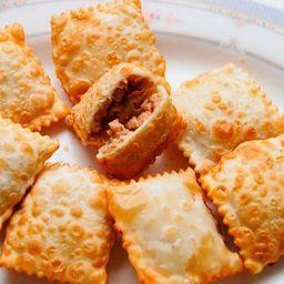 50un mini-pastel (carne)