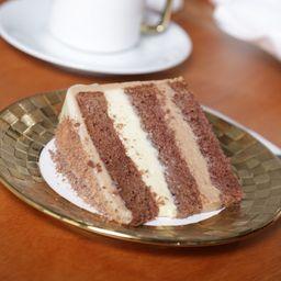 Bolo de Chocolate Belga Branco e Preto - Fatia