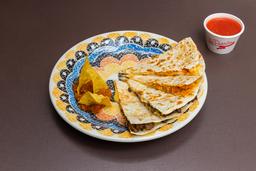 Quesadilha com Nacho e Molho + Refrigerante - 340ml