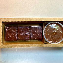 Torta de Chocolate, Calda de Caramelo