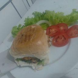 Hambúrguer X Salada