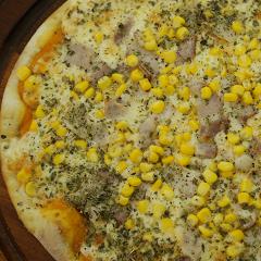 Pizza de Milho e Bacon