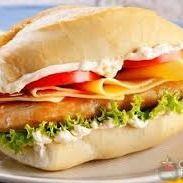 Lanche Filé de Frango com Queijo Pão Francês