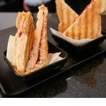 Sanduíche Salame e Mussarela