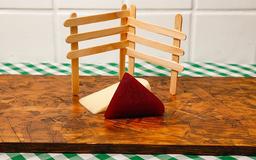 Goiabada cascão com queijo minas