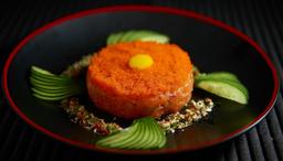 Tartar de salmão ou atum com ovas