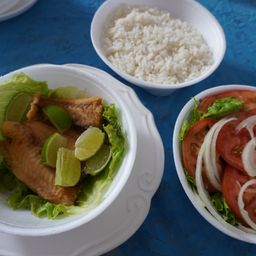 Filé de Peixe com Salada