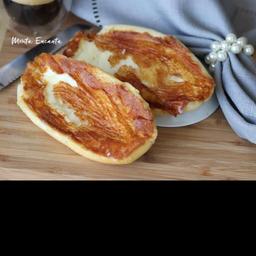 Pão Francês com Manteiga e Requeijão