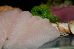 Sashimi peixe branco - 05 unidades