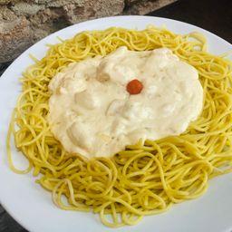Espaguete com Frango ao Queijo