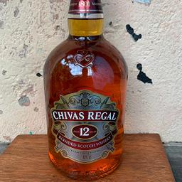 Garrafa de Whiskey Chivas