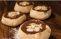 Mini Esfiha de Chocolate com Amêndoas Laminadas