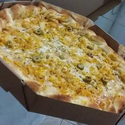 Pizza de Frango com Milho e Borda - Grande