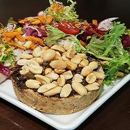 Tortinha Oriental 160 g + salada