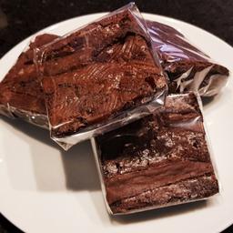 Kit com 3 Brownies Recheados de Brigadeiro