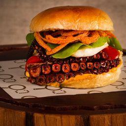 Pulpo Burger + Fritas + 1 Stella