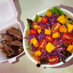 Salada e Churrasco