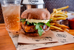 Combo Special: Burger + Batata Frita + Refri