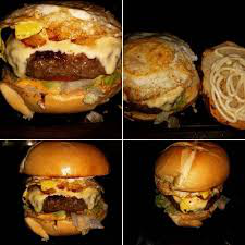 Combo família: 4 hambúrguer artesanal + 01 Coca-Cola  1,5 litros