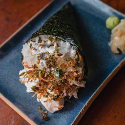 Temaki peixe branco flambado com poró