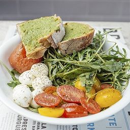 Salada Caprese Individual