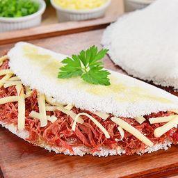 Tapioca calabresa com queijo coalho