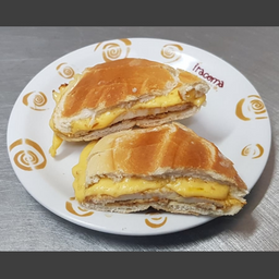 Sanduíche de Filé de Frango com Queijo