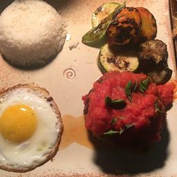 Parmegiana de Carne, Arroz, Batata ao Murro e Salada