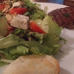 Hamburguer Vegano + Salada Completa