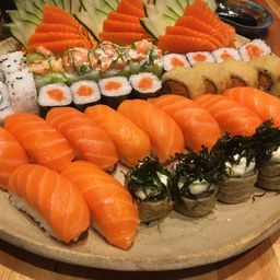 Sushi e Sashimi Salmão - 3 Pessoas