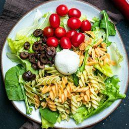 Salada de Penne com Mussarela de Búfala
