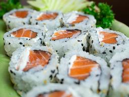 Uramaki salmão (10 unid)