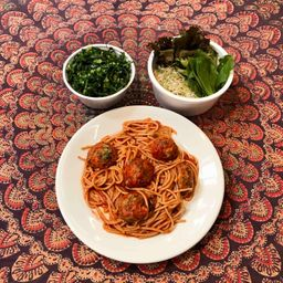 Espaguete integral ao molho sugo
