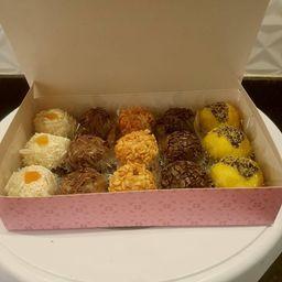 Caixa de doces sortidos - 15 unidades