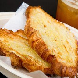 Croissant com Manteiga